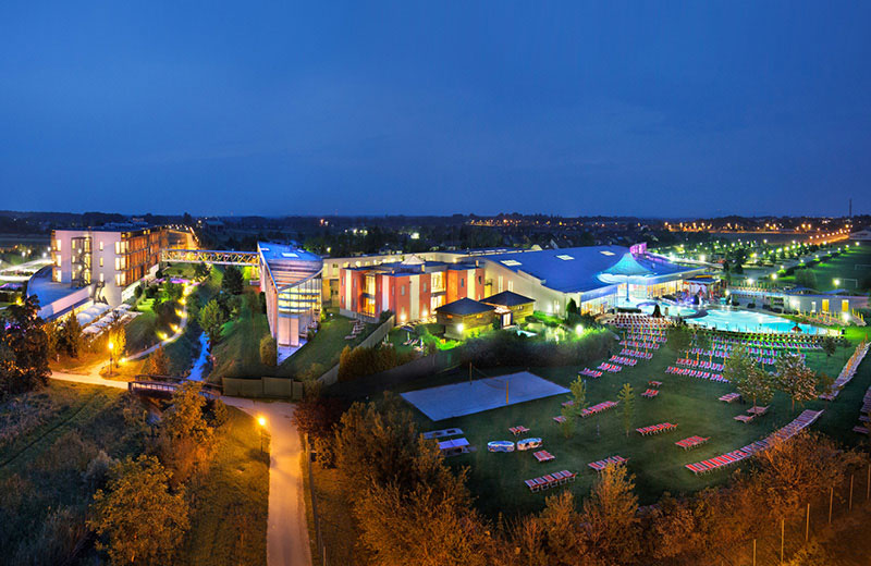 therme_Panorama_Nacht_6424_800_520.jpg