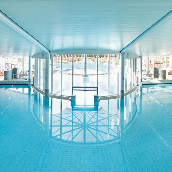 Urlaub im thermenhotel in nieder sterreich therme laa hotel silent spa - Pool quadratisch ...